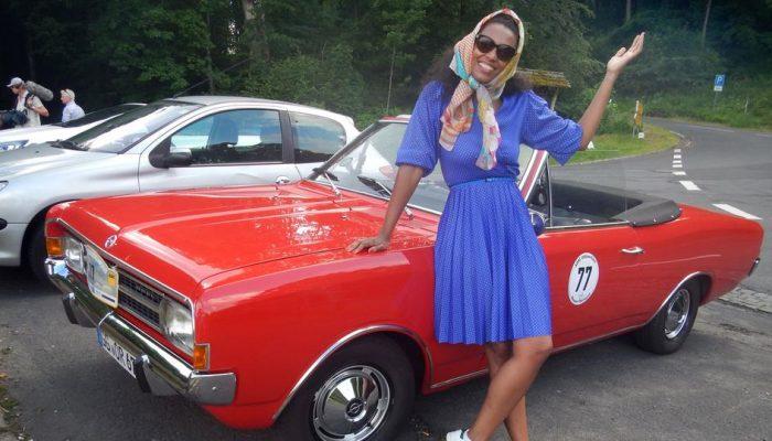 Anne Chebu mit Opel Rekord